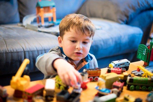 hrající si dítě